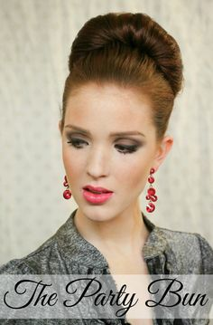 The Freckled Fox : Holiday Hair Week: The Party Bun