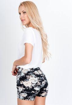 Čierne kvetované šortky - ROUZIT.SK Spandex, Outfit, Floral, Skirts, Fashion, Outfits, Moda, Fashion Styles, Skirt