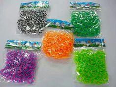 Venta mayoreo   whatsapp 3331573407 o mail:  arturoreyespineda@hotmail.com  Envios a todo el mundo.  Paquete de 21 bolsas de 21 colores diferentes... 230 pesos.    Telar y gancho movible...100 pesos.  #pulserasdeligas #ligas #rainbowloom #colors #loombands #pulseras #loom #colores #bracelet #de #loveit #rainbowloomlovers #fashion #colorful #taptap #anillo #love #pulserasdegomitas #cool #jaja #rainbow #color #doubletap #me #omg #blue #entretenimiento #yolo #pulsera #azul #telares