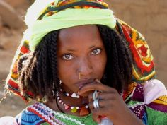 Gorgeous.  Reminds me of the women I saw near Lake Chad.