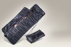 32-piece professional makeup brush set and faux-leather case - save 73%