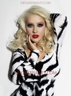 Christina Aguilera's Look For The Voice First Live Show