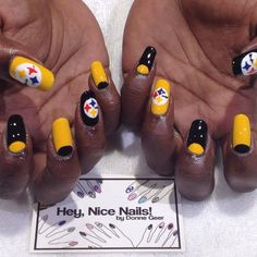 I need someone to learn how to do this to my nails =]