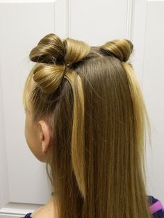 Beautiful looped clovers / St Patrick's Day hairstyle / Bonita Hair Do