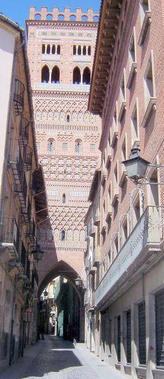 Teruel - Torre del Salvador - photo © Robert Bovington    http://bobbovington.blogspot.com.es/ http://www.tablondeanuncios.com/venta-casas-chalets-en-ugijar-granada/casa_adosada_en_ugijar_-2382039.htm https://sites.google.com/site/spanishimpressions/home http://astore.amazon.co.uk/spanisimpres-21/