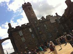 Pasamos a las escocias, ahi veis una foto de Edimburgo ;)  blog.cla-academiavalladolid.es