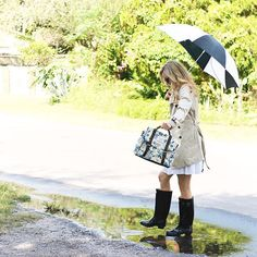 Playing in the rain puddles with my @hunterboots ! Just a reminder the @sloaneranger giveaway ends Monday! Head to adaydreamlove.com to get the details on how you could win $250 for your own #sloaniefall items! #ootd #sunday #sundayfunday