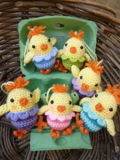 Free Pattern for Cute Little Chickens.