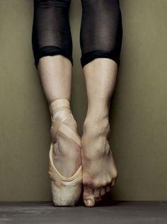 Ballet en pointe.jpg (680×912) in Color