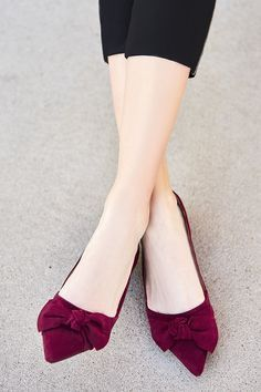 suede bow flats in a great color Cute Flats, Bow Flats, Cute Shoes, Me Too Shoes, Shoe Boots, Shoes Heels, Pumps, Flat Shoes, High Heels