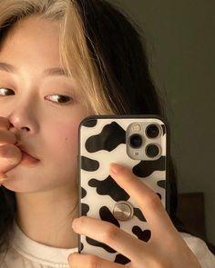 Ulzzang Korean Girl, Cute Korean Girl, Asian Girl, Korean Aesthetic, Aesthetic Girl, I Love Girls, Cute Girls, Instagram Cool, Hair Streaks