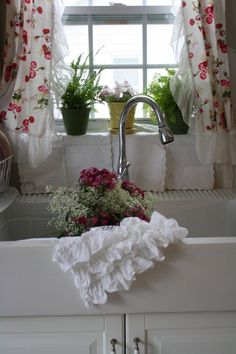 <3 great country sink