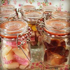 Bespoke wedding favours with traditional sweets in Kilner Jars #insweetcompany1 #weddingfavours #kilnerjars