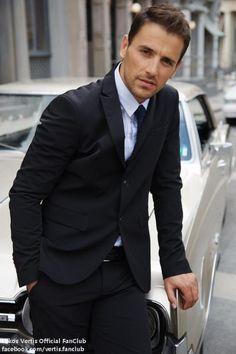 nikos vertis - the most beautiful man in the world Beautiful Songs, Most Beautiful Man, Beautiful People, Greek Men, Dapper Dan, Classy Men, Actor Model, Attractive Men, Celebrity Style