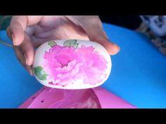 NOVEDAD!! Decoupage sobre jabón sin pegamento!!! - Regalito navideño - Christmas gift - YouTube
