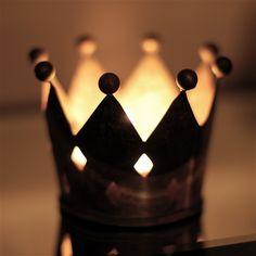 MAKE IN CERAMIC ?rustic metal crown votive