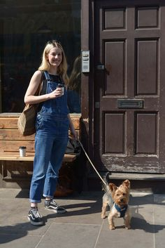 Mom Jeans, Dogs, People, Pants, Fashion, Trouser Pants, Moda, Fashion Styles, Pet Dogs