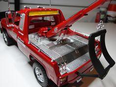 1977 GMC Wrecker Plastic Model Truck Kit 1/25 Scale by Revell-Monogram (857220)