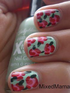 vintage rose nail art - kinda reminds me of betsey johnson