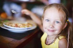 Identikit dei cibi ed alimenti più pericolosi per un bambino