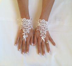 Guantes de novia marfil francés encaje guantes por GlovesByJana
