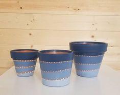 Terracotta Plant Pots, Painted Plant Pots, Clay Pot Crafts, New Crafts, House Plants Decor, Plant Decor, Boho Designs, Potted Plants, Indoor Plant Pots