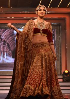 raw silk Maroon Parinitee Chopra  bridal bollywood replica lehnga choli B15403