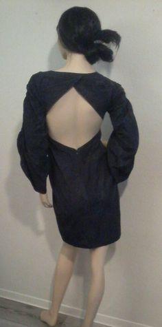 Rückenfreies Kleid aus Seide  designed by denise