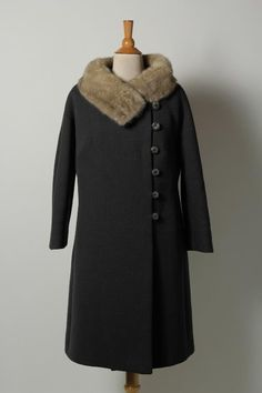 Women/'s Vintage 60s Barby Lynn Wool Coat with Fox Fur Collar No size tag