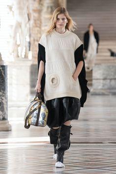 Louis Vuitton | Ready-to-Wear Autumn 2021 | Look 16 Elie Saab Fall, Fashion Week, Fashion Trends, David Koma, Louis Vuitton, Formal Wear, Skirt Set, Personal Style, Ready To Wear