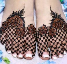 Henna designs - 90 Beautiful Leg Mehndi Designs for every occasion – Henna designs Henna Hand Designs, Dulhan Mehndi Designs, Mehandi Designs, Mehndi Designs Finger, Mehndi Designs Feet, Legs Mehndi Design, Mehndi Designs For Girls, Stylish Mehndi Designs, Wedding Mehndi Designs