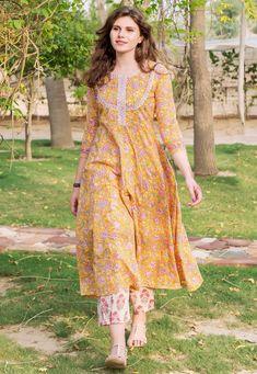 Dress Neck Designs, Stylish Dress Designs, Designs For Dresses, Stylish Dresses, Casual Dresses, Casual Indian Fashion, Indian Fashion Dresses, Indian Designer Outfits, Simple Kurta Designs