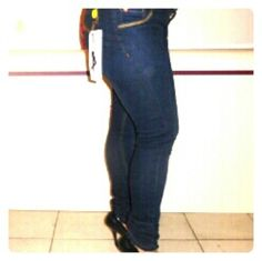 """Jean virtual sensuality size 12 but USA is size 6 Colombia It is size 6 regular, hip 40 1/2 """" , waist  29 """" virtual sensuality Jeans"""