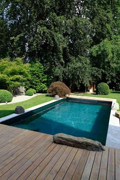 Modern garden find designs complete garden in munich. Discover the most beautiful pictures for inspiration for the design of your dream house. Backyard Pool Designs, Backyard Landscaping, Outdoor Pool, Outdoor Gardens, Small Back Gardens, Pool Porch, Back Garden Design, Dream Pools, Beautiful Pools