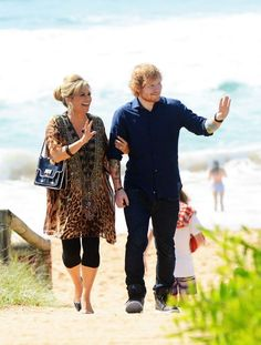 Singer Ed Sheeran has been busy working in Australia as he films a cameo in Australian soap opera Home and Away. I See Fire, Latest Gossip, Cheryl Cole, Jonas Brothers, Ed Sheeran, Shakira, David Beckham, Home And Away, Music Lovers