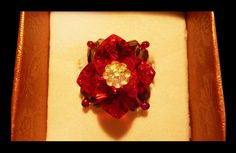 Bague éclat rouge passion. Shiny handmade ring with Swarovski crystal hearts.