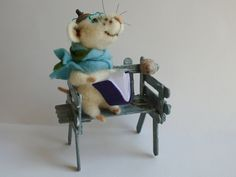 Needle felted Mouse with book. Reading Mouse. Mouse on the park chair. Felted Home decor. Decor for Bookshelves. Birthday gift. Wool Art. by OlgaHappyHandmades on Etsy