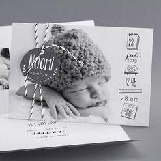 Faire-part : cap sur le noir et blanc fotos Baby Co, Baby Birth, Baby Kids, The Babys, Newborn Pictures, Baby Pictures, Book Bebe, Foto Newborn, Foto Baby