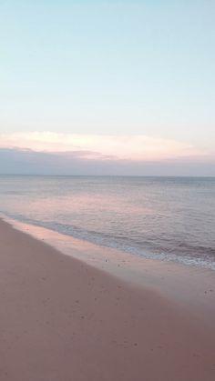 Ideas wallpaper backgrounds beautiful beach for 2019 Wallpaper Sky, Strand Wallpaper, Nature Wallpaper, Wallpaper Backgrounds, Iphone Wallpaper Beach, Iphone Background Beach, Wallpaper Quotes, Calming Backgrounds, Inspirational Phone Wallpaper