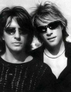 jon-bon-jovi-is-the-king-of-rock:    (38/100) Photos of Jon Bon Jovi & Richie Sambora