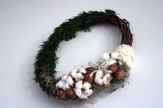 Flowers of Soul: Decorațiuni handmade pentru Crăciun Grapevine Wreath, Grape Vines, Christmas Wreaths, Holiday Decor, Home Decor, Corona, Decoration Home, Room Decor, Vineyard Vines