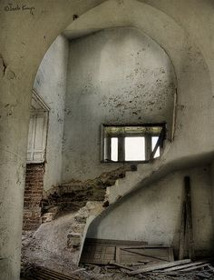 Scary stairs by moggierocket, via Flickr