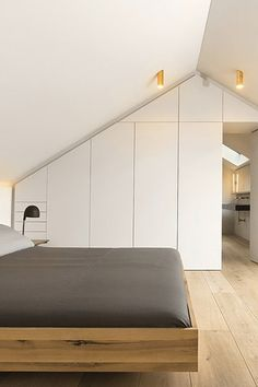If you are lucky enough to have an attic in your home but haven't used this space for anything more than storage, then it's time to reconsider its use. An attic Loft Room, Bedroom Loft, Home Bedroom, Master Bedroom, Attic Bedroom Designs, Attic Rooms, Attic Spaces, Attic Renovation, Attic Remodel