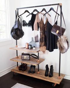 Home accessory: hangingrail style rose gold closet hanging rail hipster home decor metallic home decor copper - Wheretoget Casa Hipster, Hipster Home Decor, Hanging Rail, Home And Deco, New Room, Home Decor Accessories, Clothing Accessories, Sweet Home, Bedroom Decor