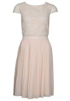 Spitze und Plisseefalten lassen das Kleid elegant und feminin wirken. mint&berry Cocktailkleid / festliches Kleid - spring rose für 64,95 € (13.10.14) versandkostenfrei bei Zalando bestellen.