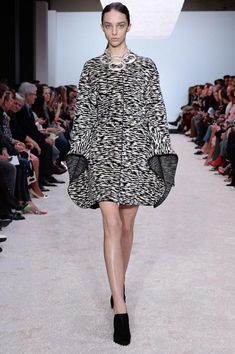 Giambattista Valli | Fall 2014 Ready-to-Wear Collection | Style.com
