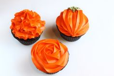 How to frost cupcakes from @createdbydiane via @Sara Eriksson Eriksson Baker Royale | Naomi