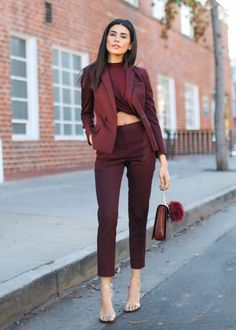 Formal Burgundy Blazer Women Business Suits with Pant and Jacket Sets Ladies Office Uniform Designs Styles Burgundy Outfit, Burgundy Blazer, Burgundy Color, Maroon Outfit, Burgundy Suit Women, Classy Outfits, Chic Outfits, Fashion Outfits, Fashionable Outfits