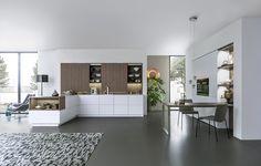Wildhagen | Moderne greeploze keuken met kastenwand en inbouwapparatuur. www.wildhagen.nl #designkeuken