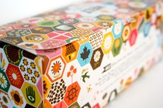 Packaging of the World: Creative Package Design Archive and Gallery: HELT Honey